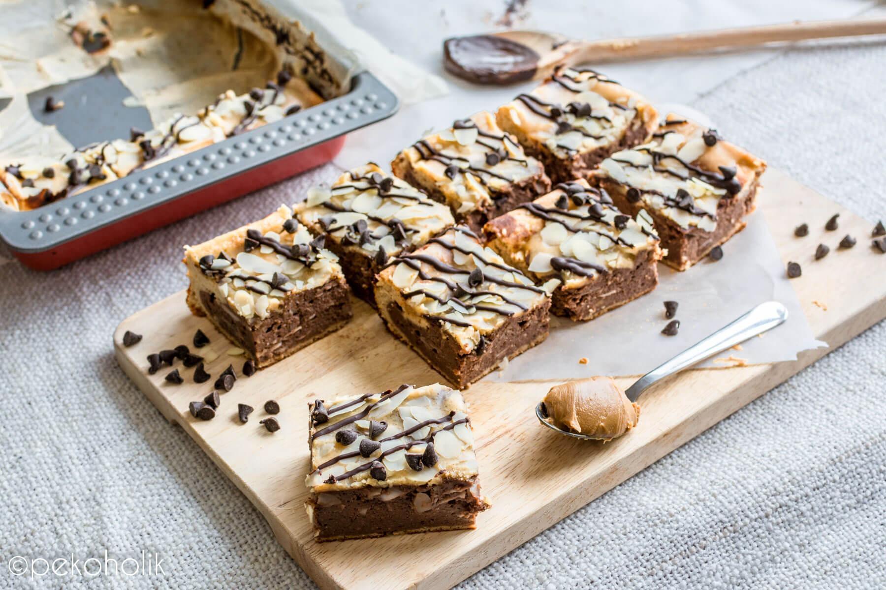 Na sliki so brownieji brez sladkorja.