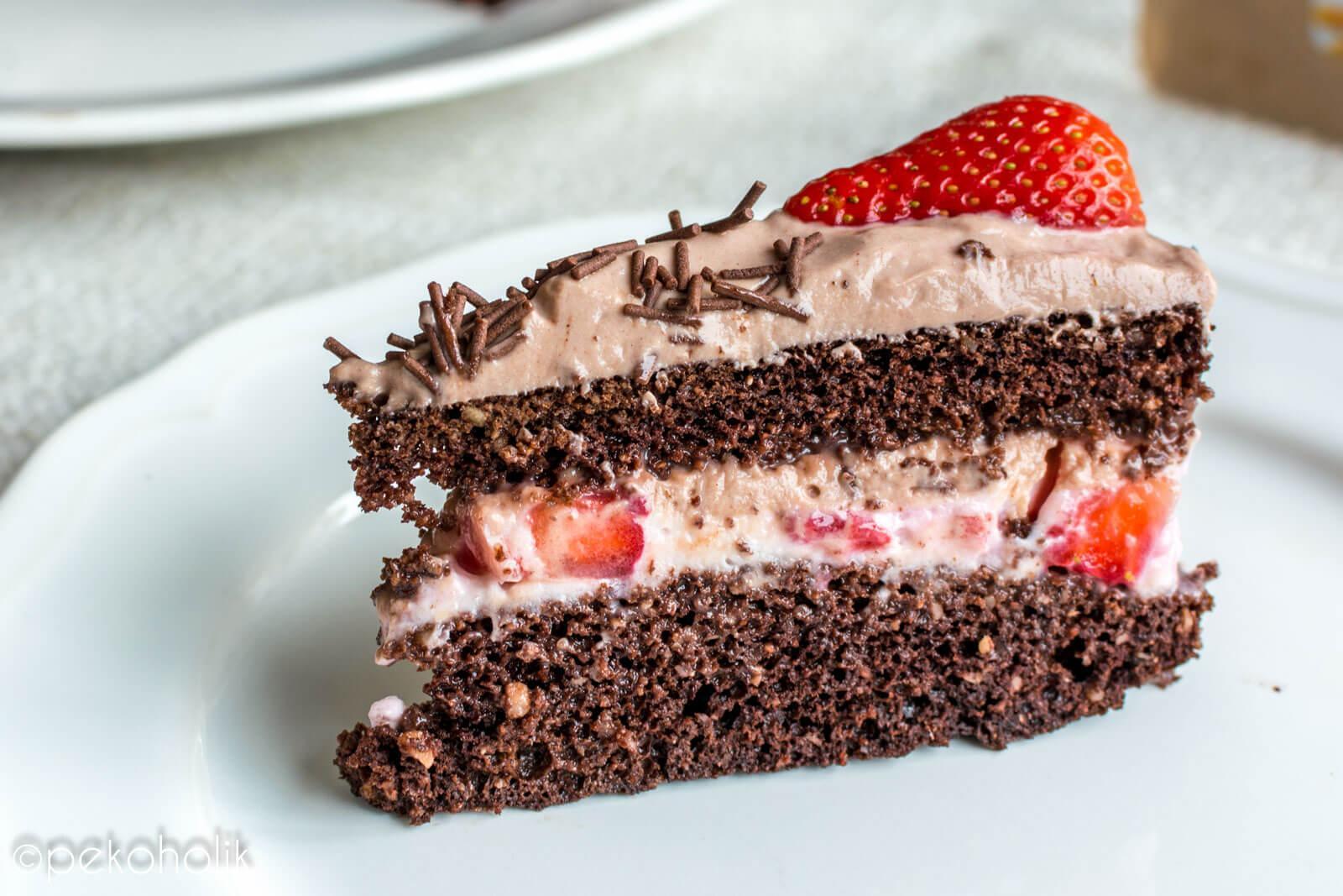 jagodno-čokoladna torta brez moke